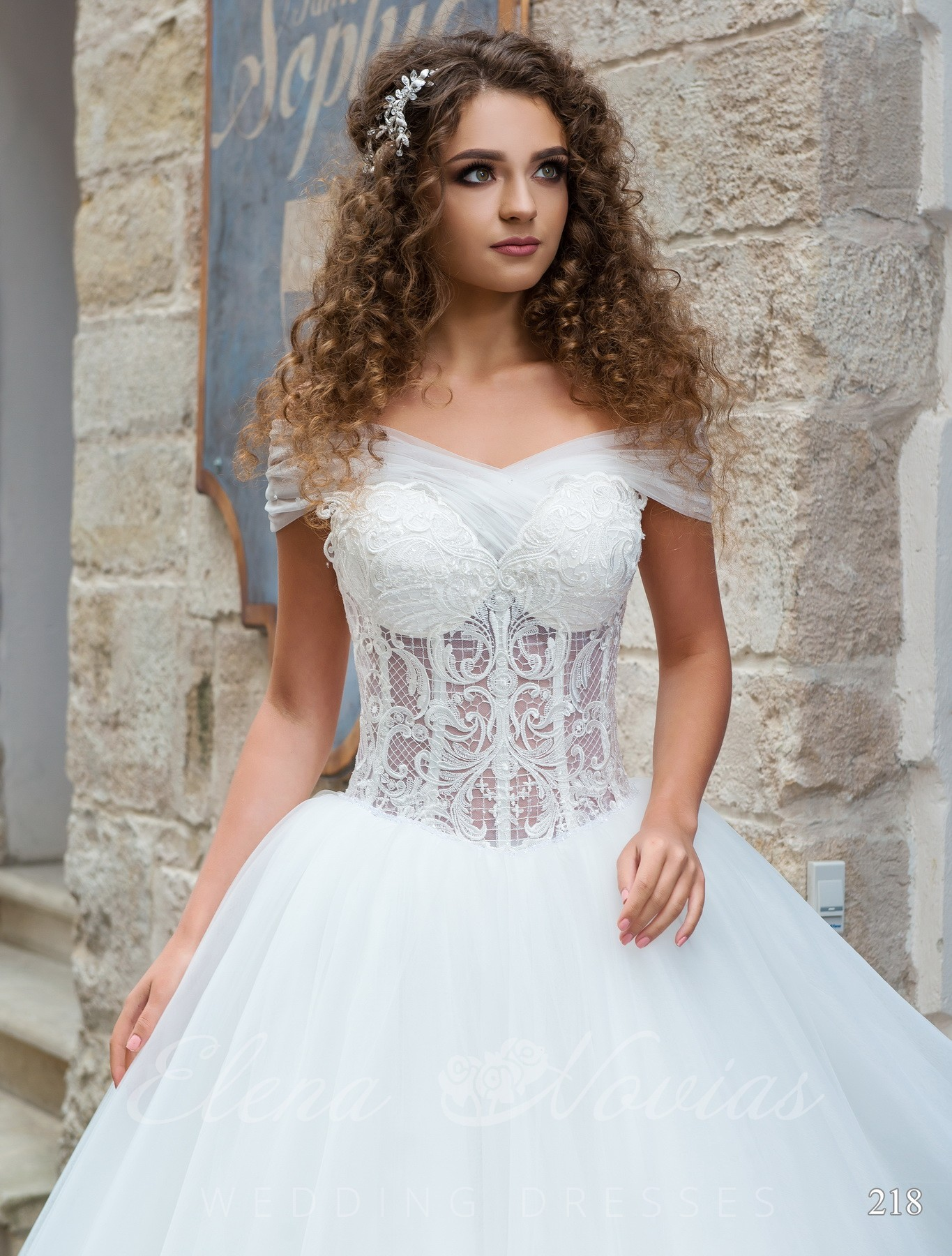 """Princess"" style wedding dress model 218"