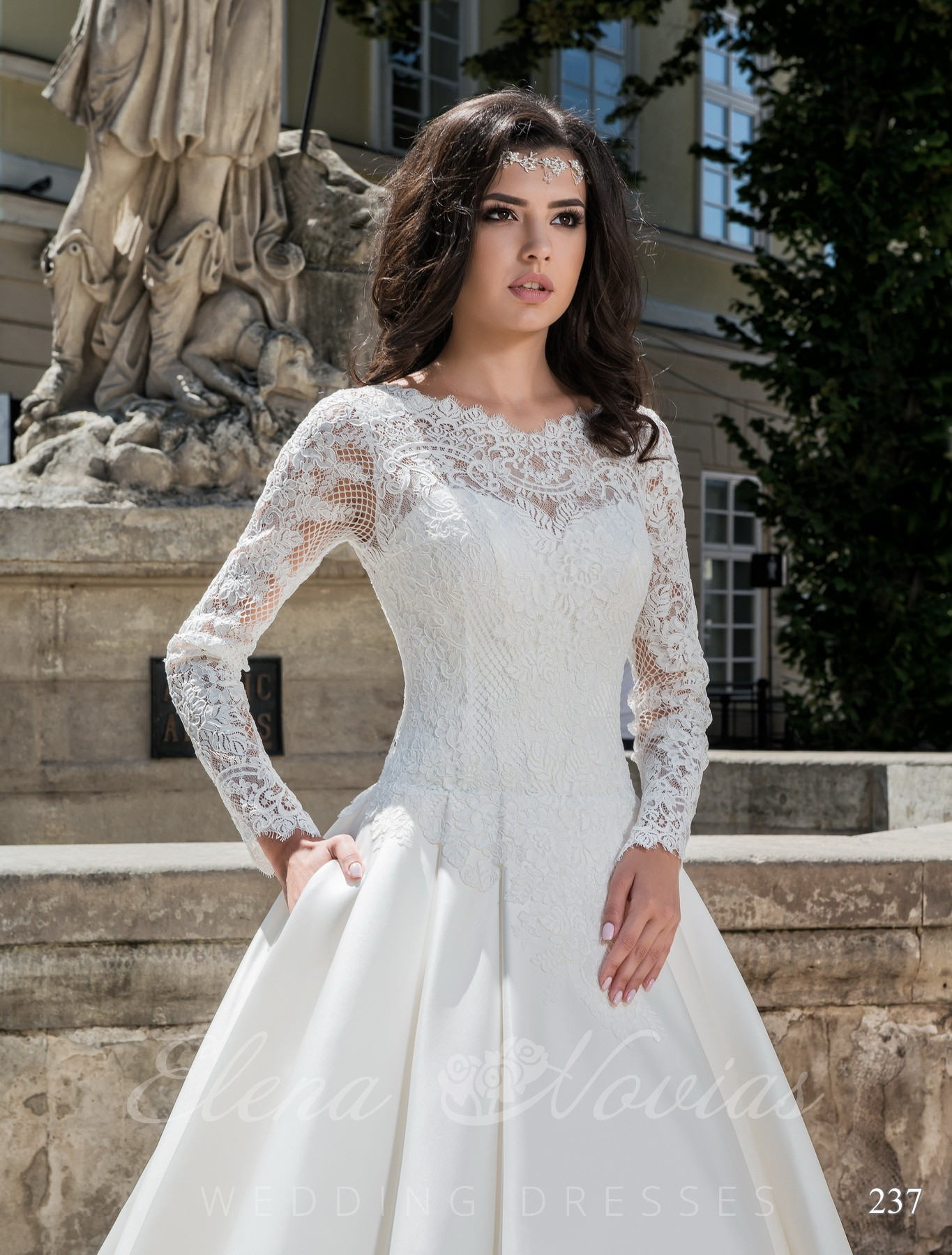 Wedding dress with long sleeves model 237