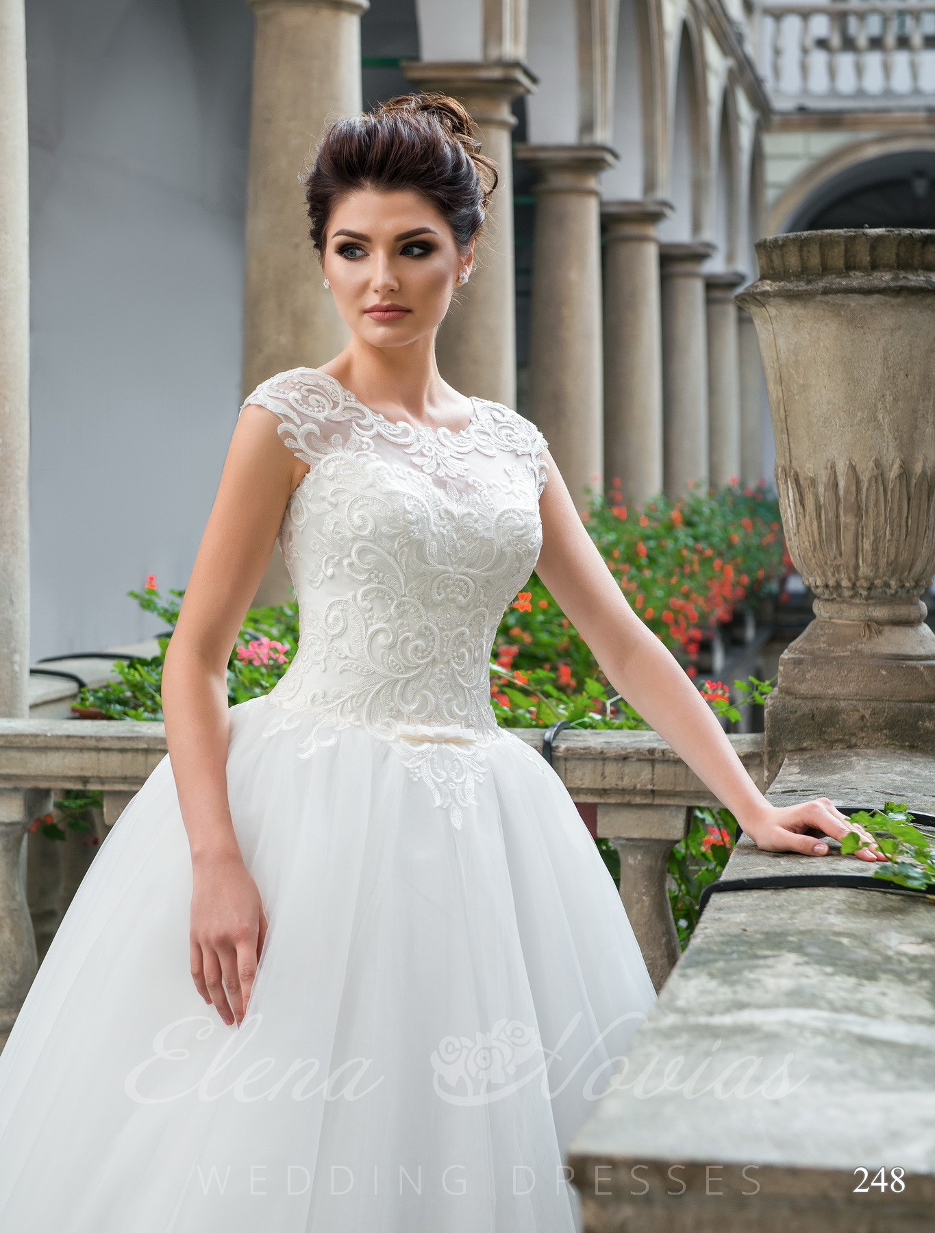 Guipure wedding dress model 248