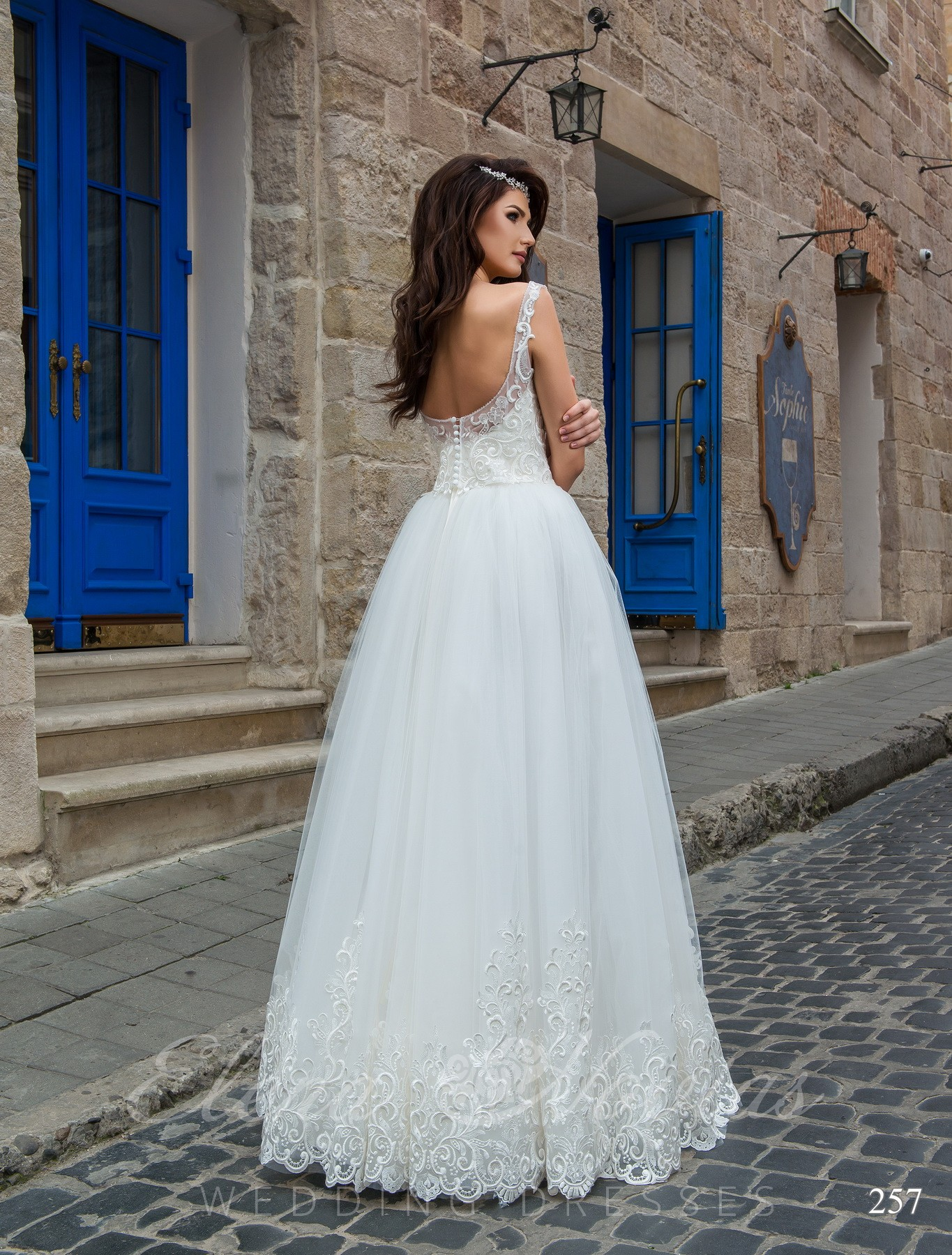 Wedding dress with a deep neckline model 257