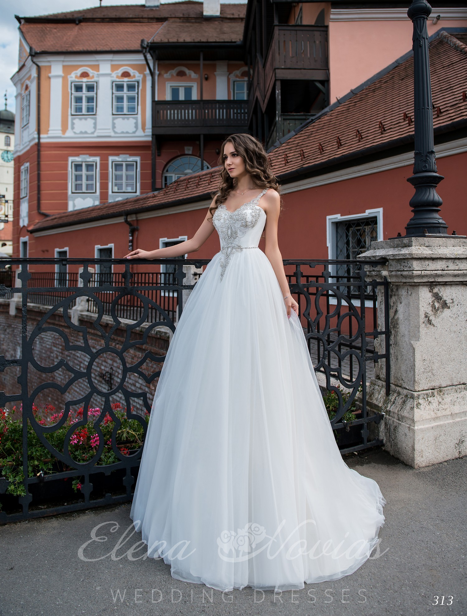 Wedding dress with embroidered straps on wholesale