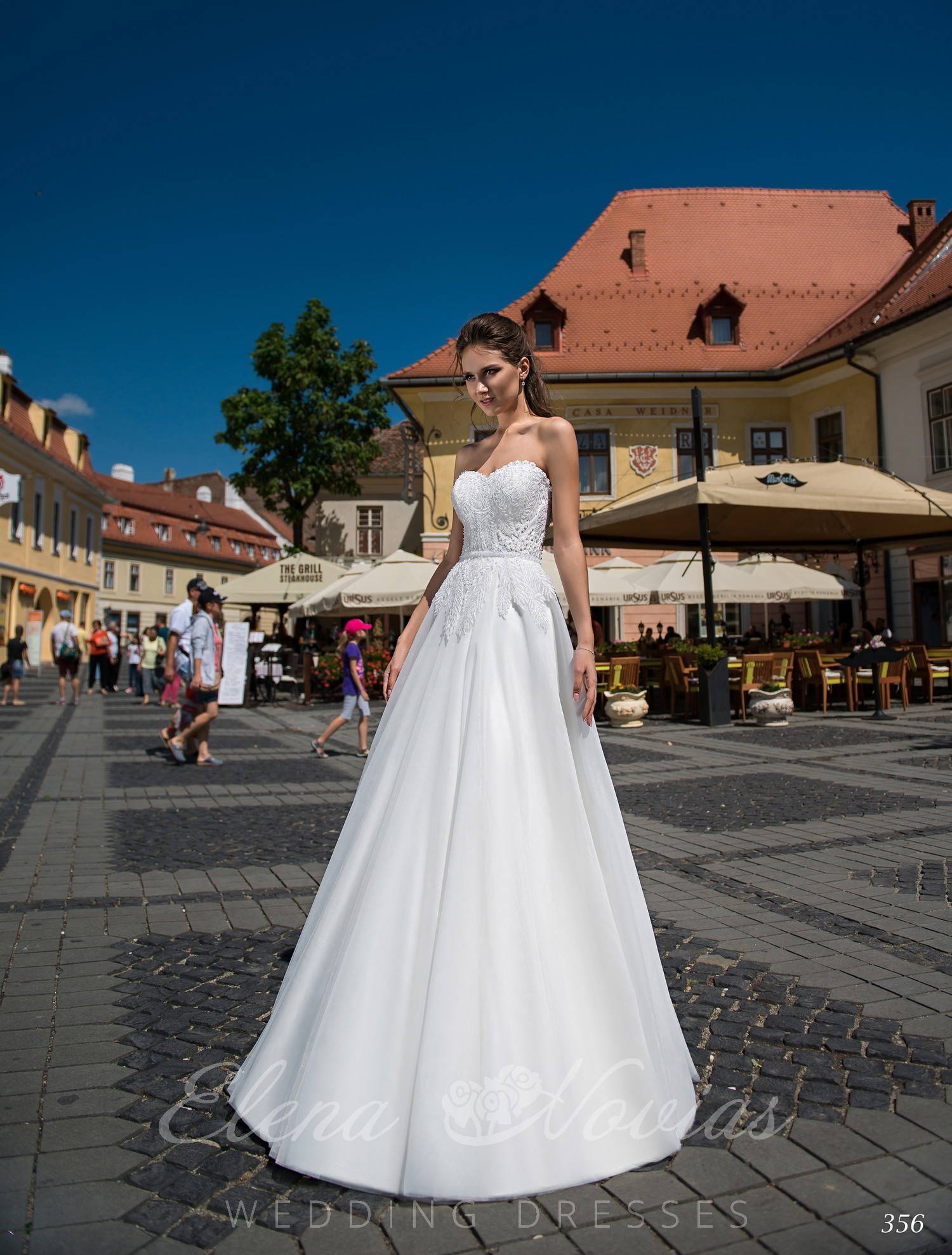 Wedding dress with bare shoulders wholesale from Elena Novias