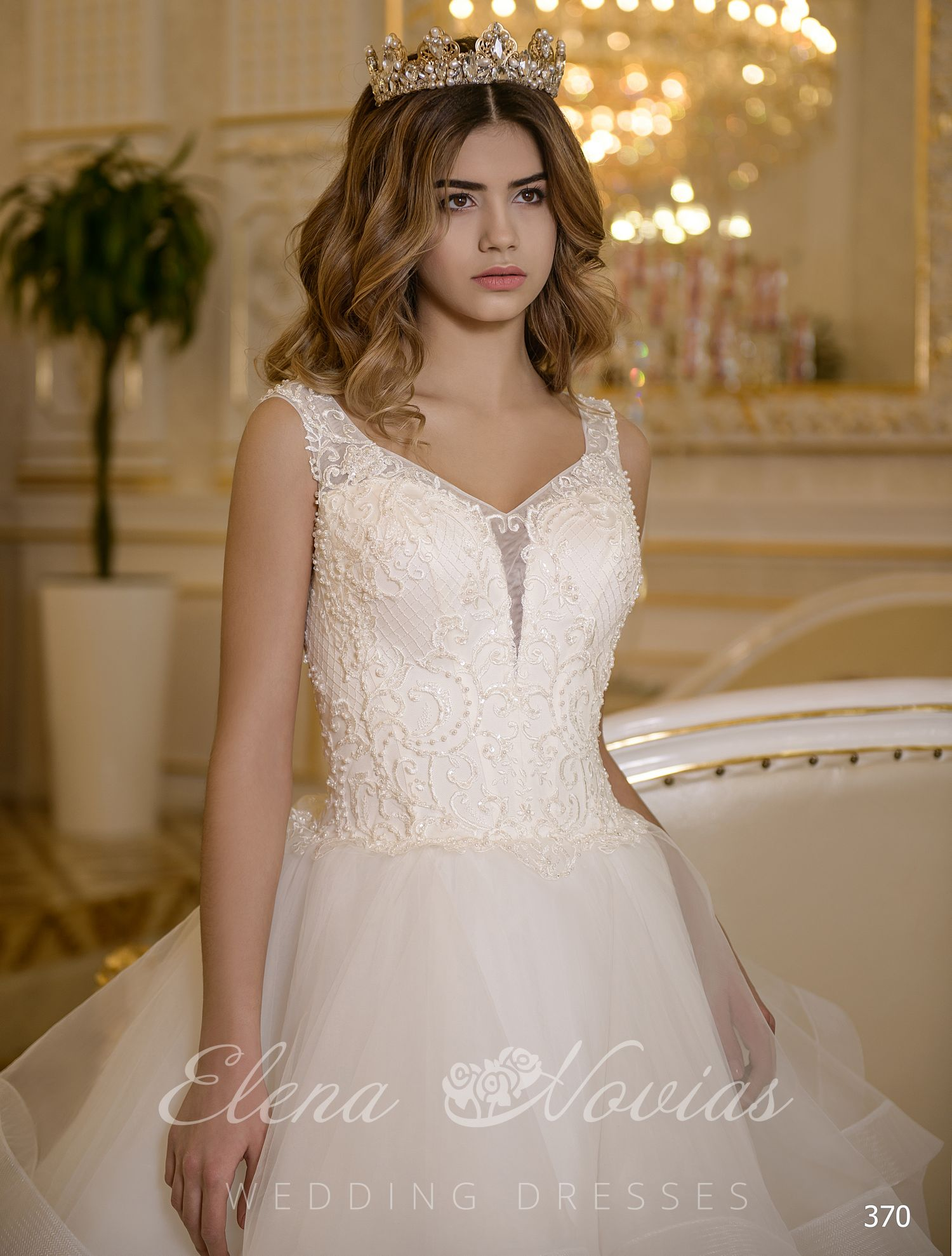 Classic wedding dress on wholesale in Ukraine
