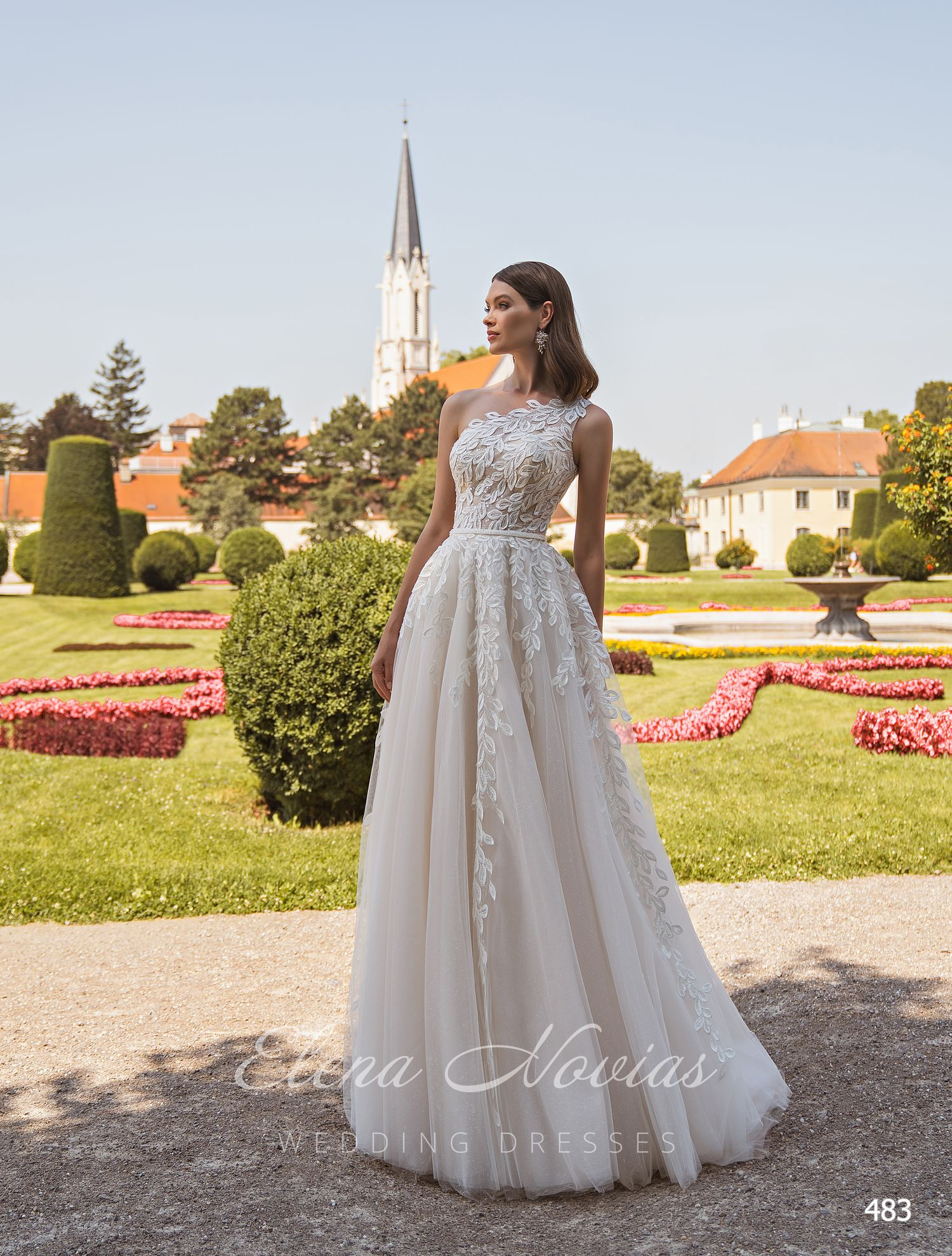 Wedding dresses 483
