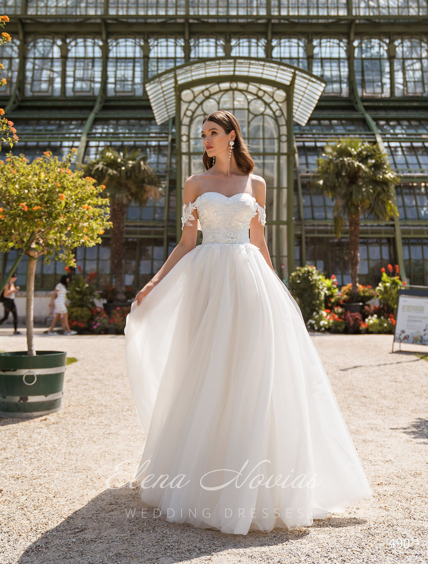 Wedding dresses 490