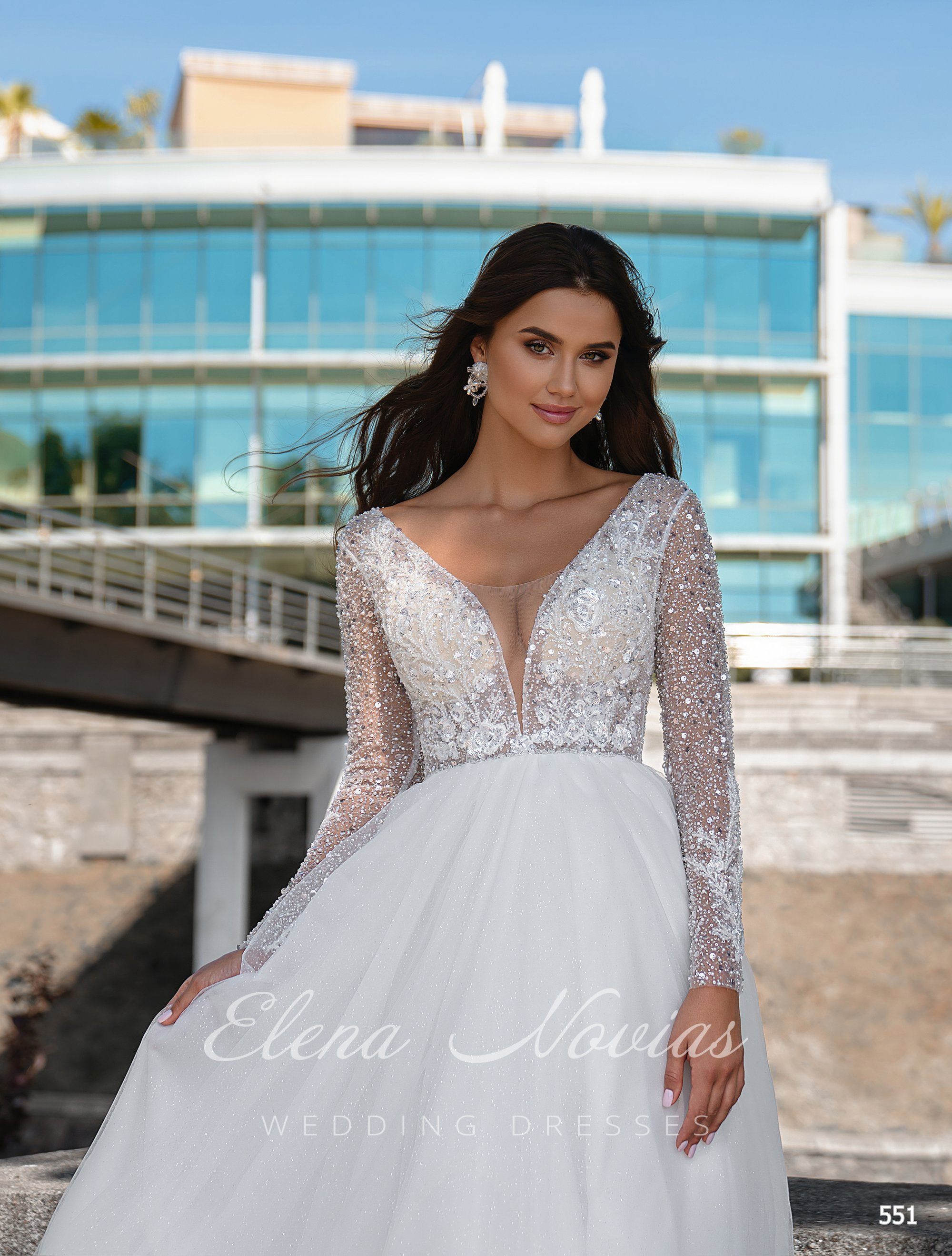 Wedding dresses 551