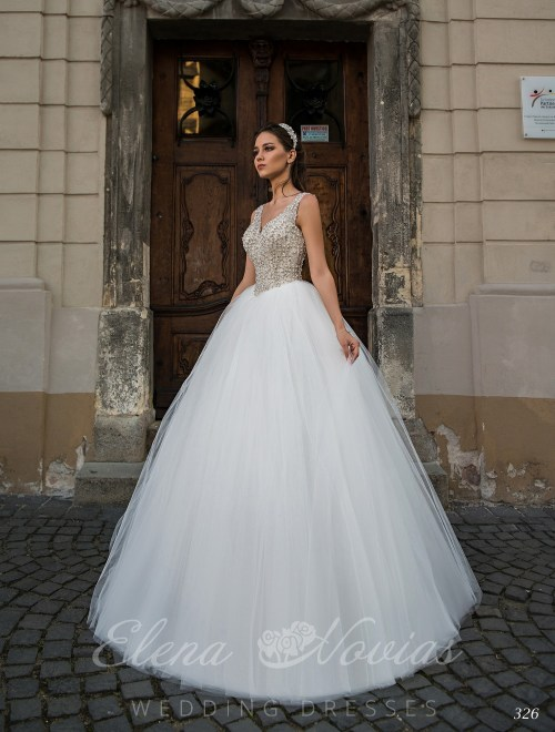 Lush embroidered wedding dress with V-neck 326